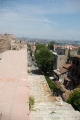 Edirnekapı streets and walls, Surlardan Edirnekapı Saklı mahalle görünümü
