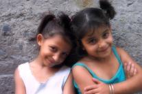 little girls in streets of Balat , Balat sokaklarında küçük kızlar