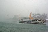 Dolmabahçe palace and ferryboat, Dolmabahçe sarayı ve Şehirhatları vapuru
