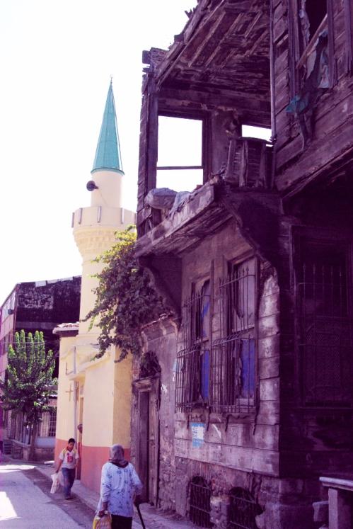 Süleymaniye, Kirazli Mescit street
