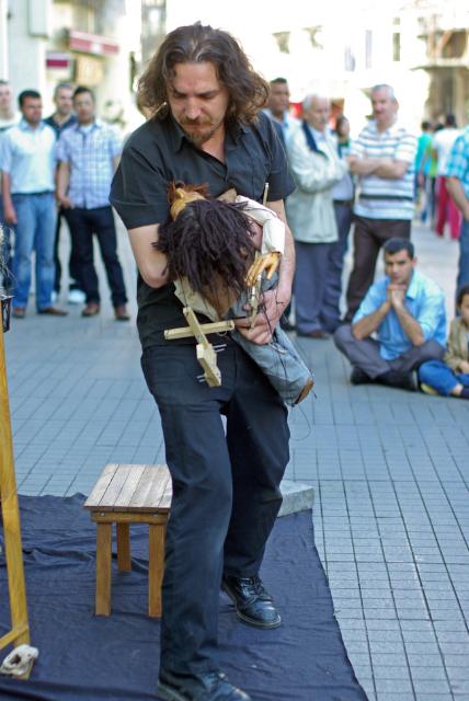 street performer, Sokak sanatçısının gösterisi, Beyoğlu, İstanbul, pentax k10d