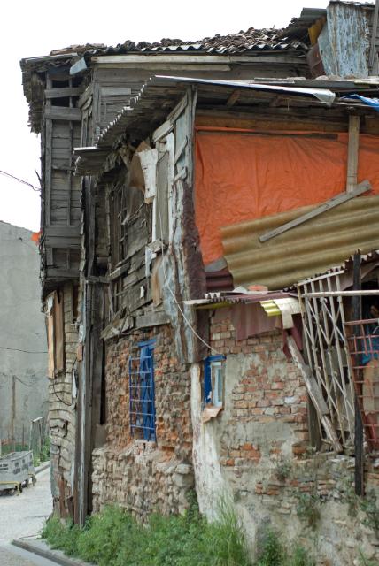 old fabric wooden house, Zeyrek, İstanbul, pentax k10d
