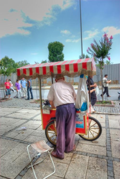 corn seller, Sultanahmet square, Sultanahmet meydanında bir mısır satıcısı, İstanbul, pentax k10d