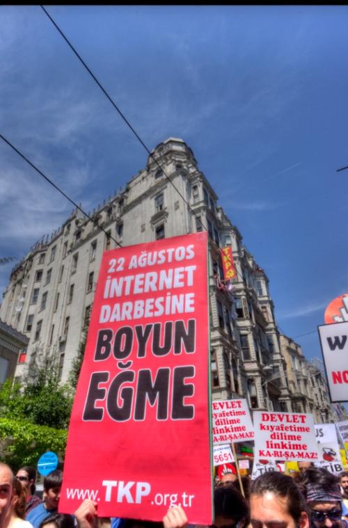 against internet censhorship,  Taksim-Istanbul, 15.may.2011