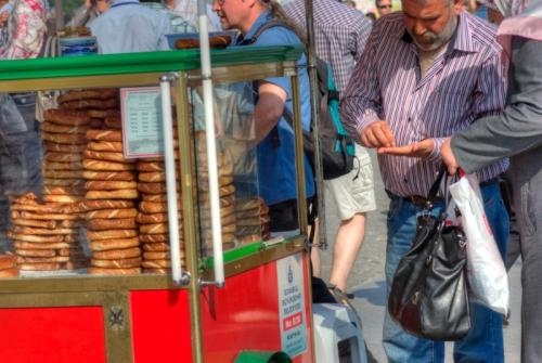 Simit satıcısı, Bagel seller, Eminönü-İstanbul, pentax k10d