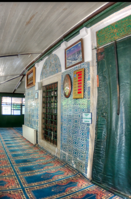 istanbul_uskudar_cinili_camii_2011_07_23-1