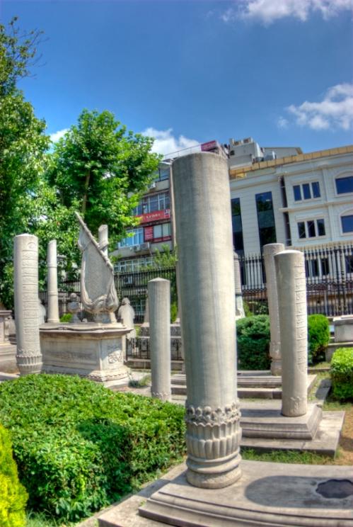 Divan caddesi, Sultanahmet-Istanbul, Turkey, pentax k10d, by ozgur ozkok
