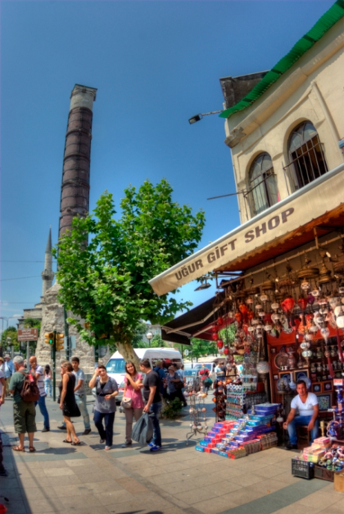 Cemberlitas, İstanbul, pentax kx, by ozgur ozkok