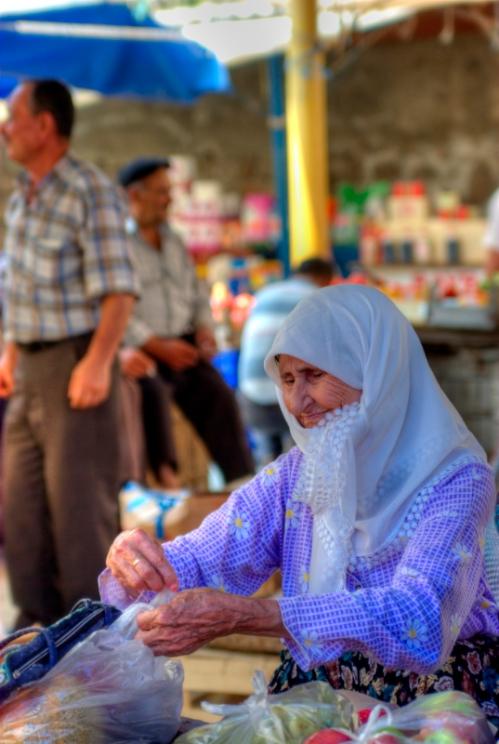 Ayvacik market, Ayvacik pazarı, pentax k10d + 100/2.8, Çanakkale-Türkiye, by ozgur ozkok