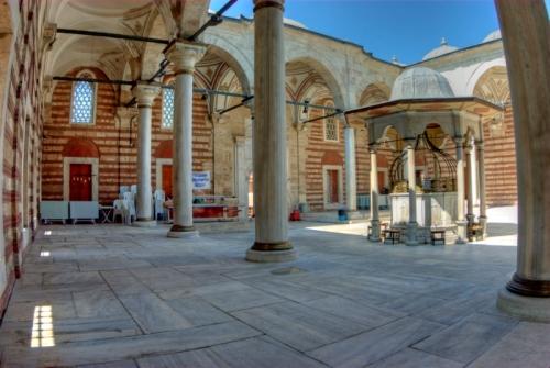 Istanbul, Laleli Camii, pentax k10d, by ozgur ozkok