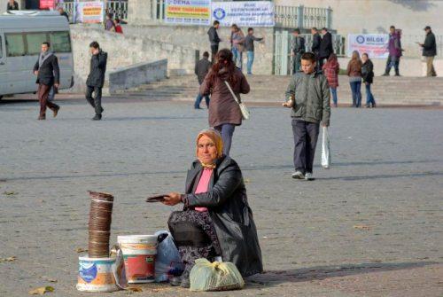 Beyazid square, Beyazid meydani, İstanbul, pentax k10d , photo by ozgur ozkok