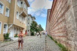 Soğukçeşme sokağı, Sogukcesme street, Sultanahmet-Istanbul, pentax k10d, by ozgur ozkok