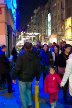 İstiklal caddesi, Beyoğlu-İstanbul, pentax k10d, photos by ozgur ozkok