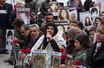 Saturday mothers, Cumartesi anneleri, Beyoğlu-İstanbul, pentax k5, photos by ozgur ozkok