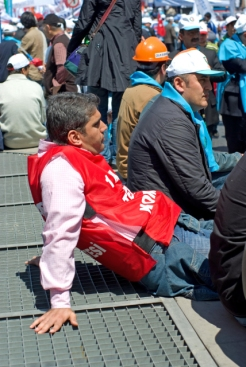 1_mayis_taksim_istanbul_ozgur_ozkok_2010-14