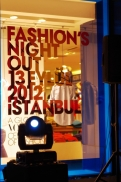 istanbul_vogue_fashion_night_out_2012_ozgurozkok_bagdat_caddesi-10