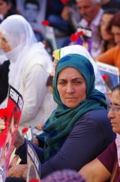 istanbul_cumartesi_anneleri_saturday_mothers_taksim_ozgurozkok-6