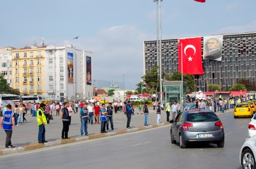 Taksim square, before meeting police forces are waiting